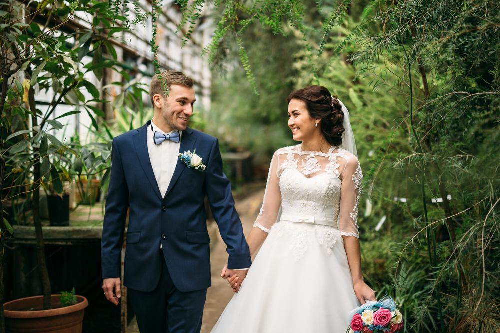 Свадебная прогулка в оранжерее Ботанического сада (фото)