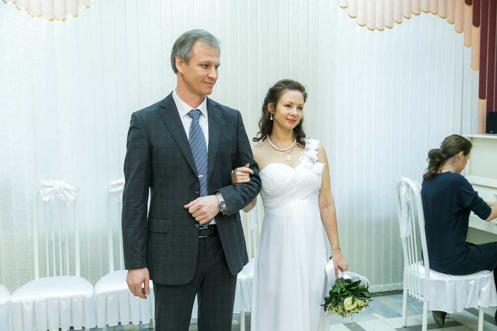 Свадебная фотосессия у Храма Благовещения Пресвятой Богородицы в Тайнинском (фото)