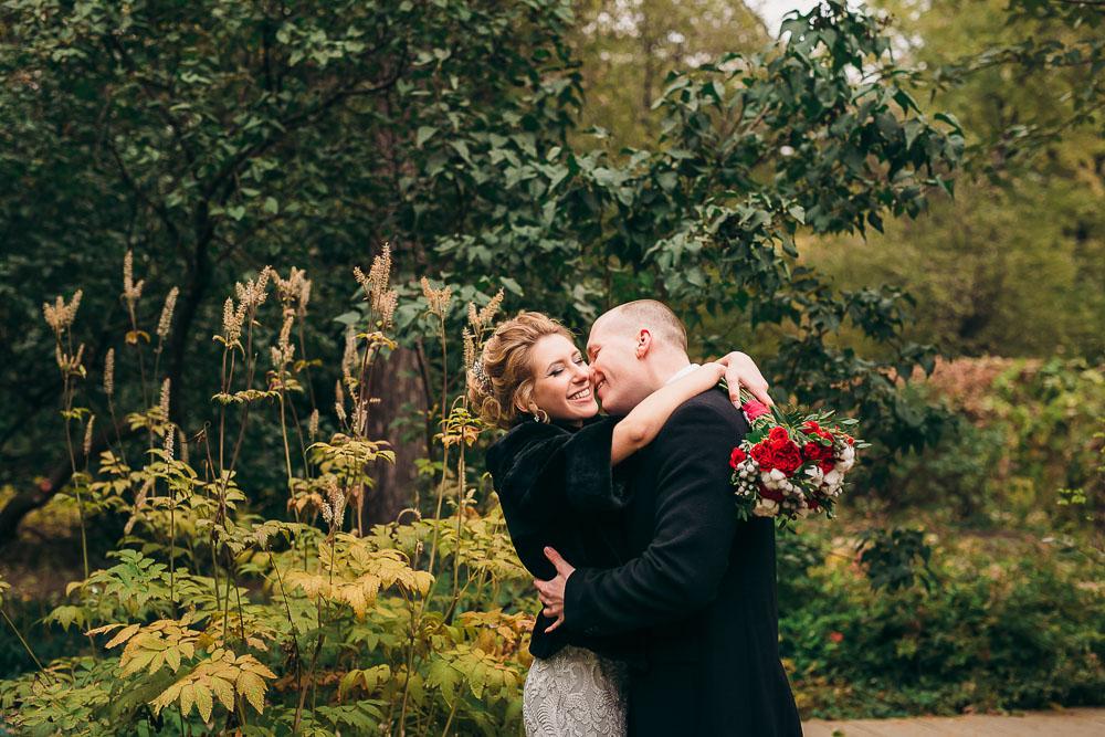 Свадебная фотосессия в Ботаническом саду МГУ (Аптекарском огороде) (фото)