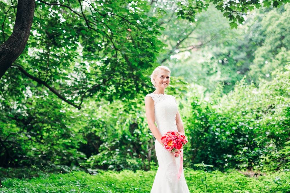 Свадебная фотосессия в Аптекарском огороде (Ботанический сад МГУ) (фото)