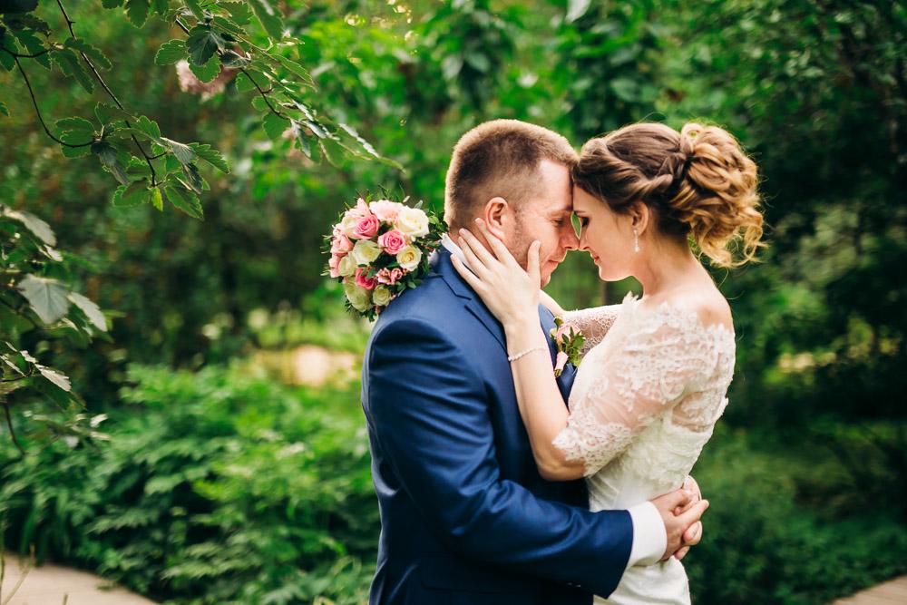 Свадебная фотосессия в Аптекарском огороде (Ботаническом саду МГУ) (фото)