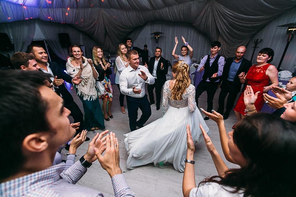 Выездная регистрация брака в Коломенском (фото)