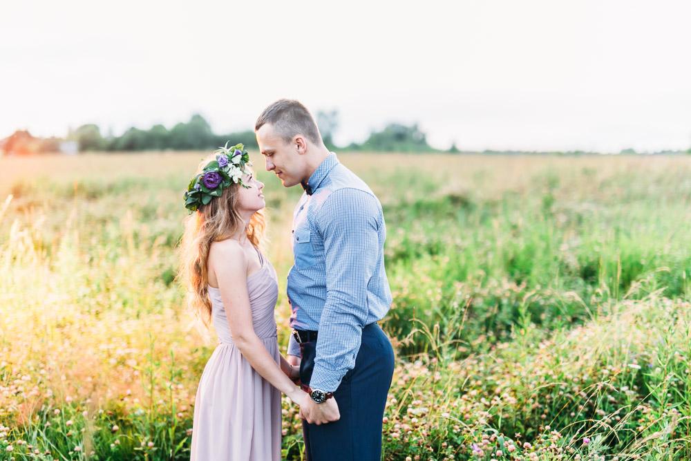 Свадебная фотосессия в лучах закатного солнца (фото)
